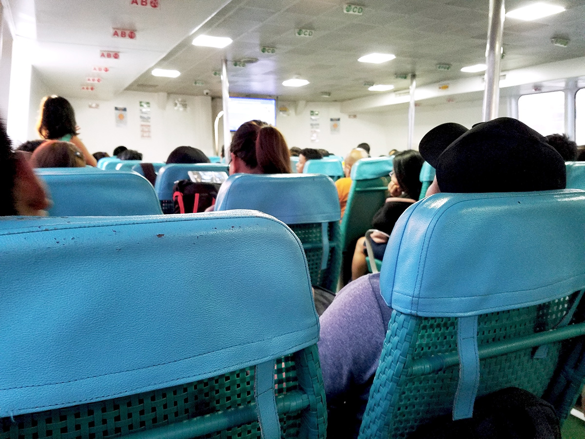 普通クラスの席