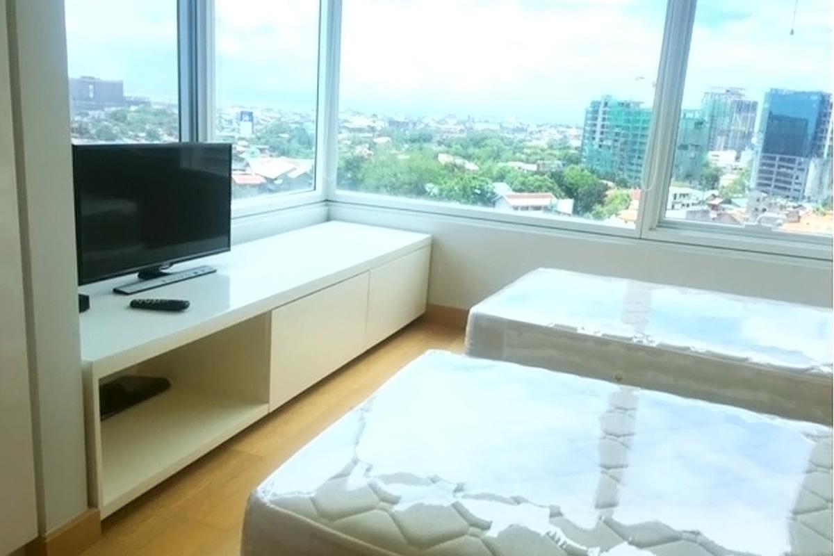 ベッドルーム・2面窓